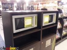 Mikrowellen an den Raststätten um die gekauften Sachen warm zu machen